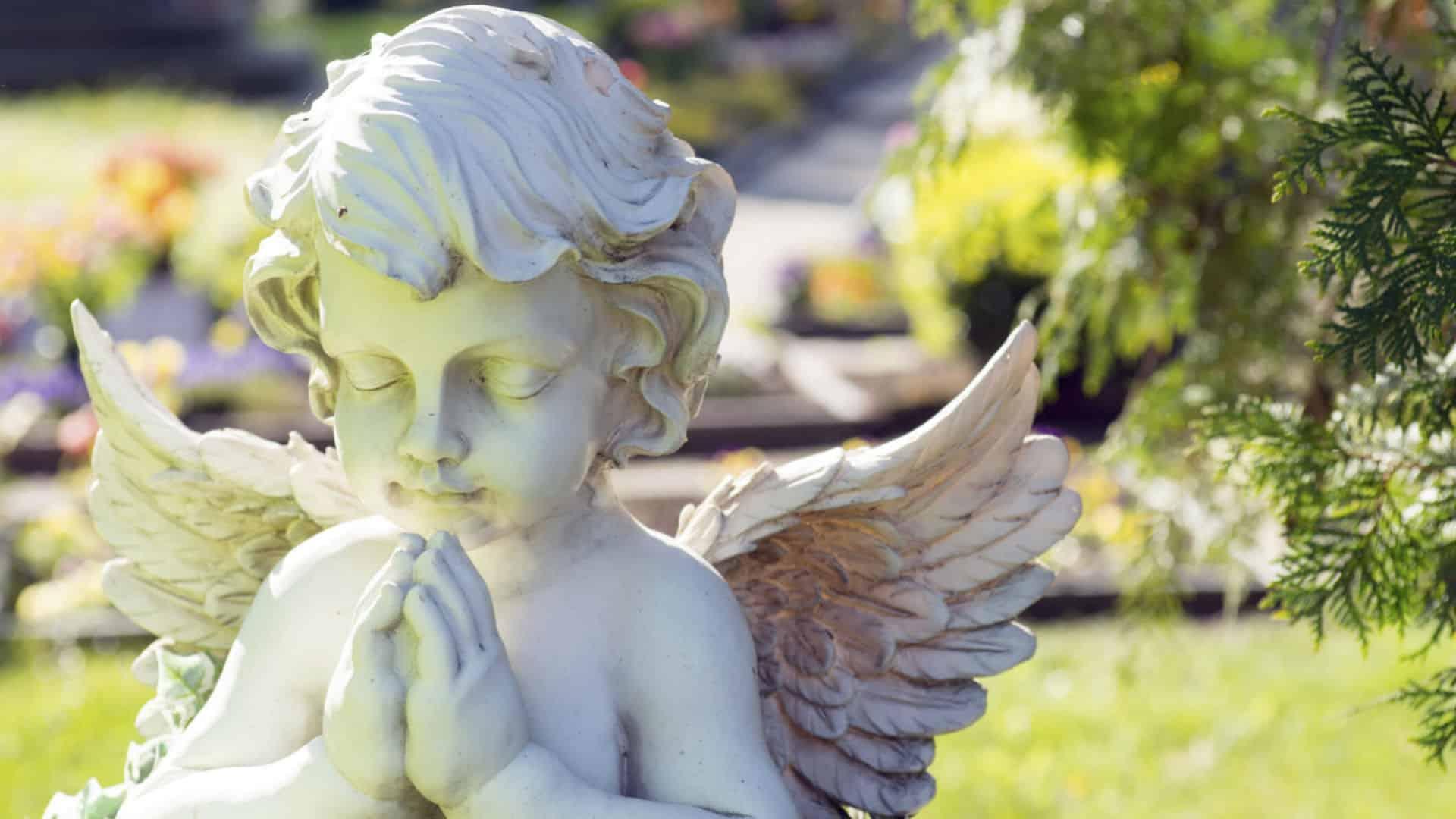 ангелче херувимче на погребение